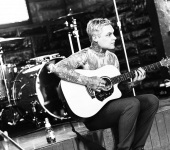 Ahren Stringer: Amity Affliction